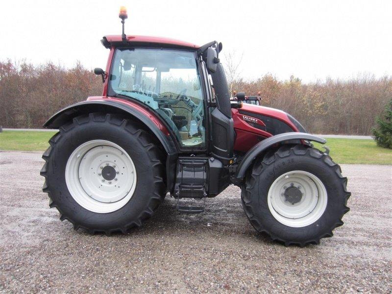 Valtra N 154 Aktiv Traktor, 8581 Nimtofte - technikboerse.com