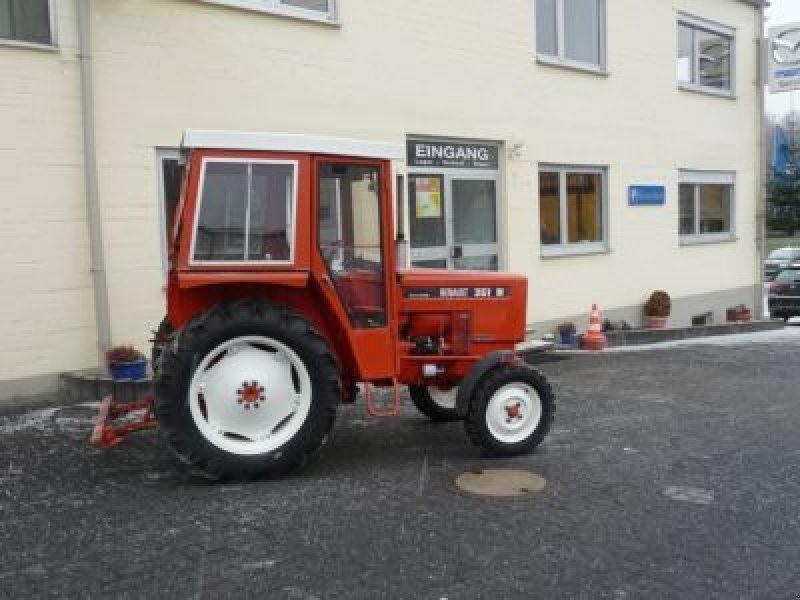 Renault M 351 Traktor
