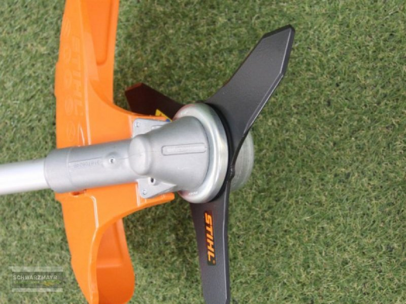 Motorsense of the type Stihl FS 360 C-EM, Neumaschine in Aurolzmünster (Picture 8)