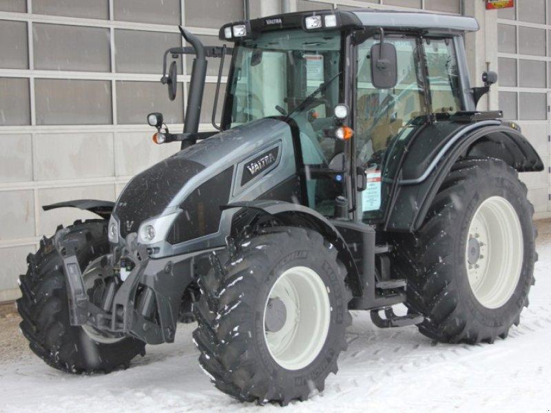 valtra n93h3 traktor. Black Bedroom Furniture Sets. Home Design Ideas