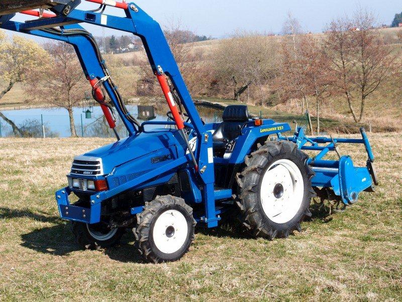 traktor iseki tu 237 frontlader fr se top zustand. Black Bedroom Furniture Sets. Home Design Ideas