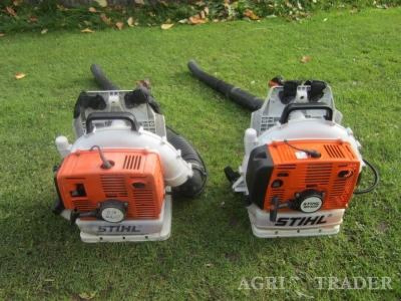sonstige stihl 2 stihl bladblazers 1 x br 400 en 1 x br 420 aspirateur souffleur de feuilles. Black Bedroom Furniture Sets. Home Design Ideas