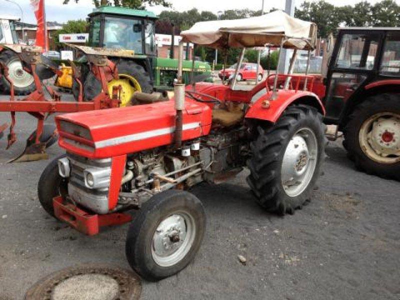 massey ferguson mf135 traktor. Black Bedroom Furniture Sets. Home Design Ideas