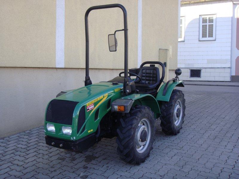 ferrari cobram 40 rs tracteur pour viticulture 3500 krems donau. Black Bedroom Furniture Sets. Home Design Ideas