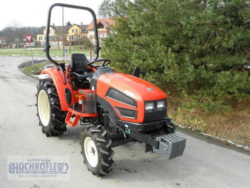 kioti cr 35 traktor. Black Bedroom Furniture Sets. Home Design Ideas
