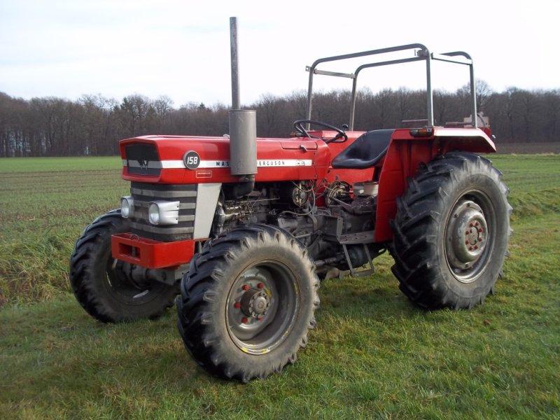 massey ferguson 158 allrad traktor. Black Bedroom Furniture Sets. Home Design Ideas