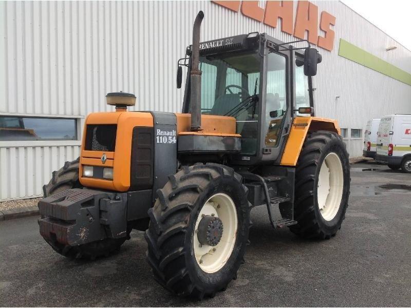 renault 110-54 tx tracteur  86170 neuville en poitou