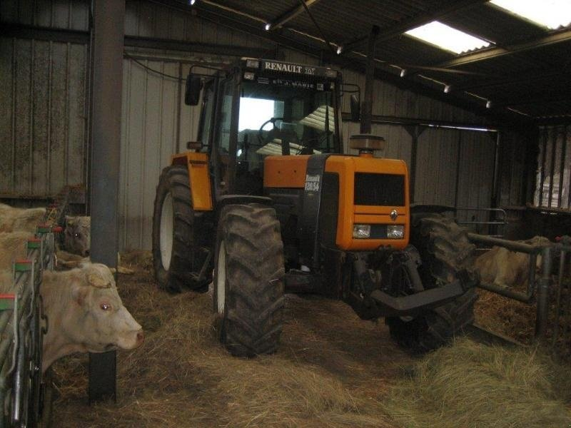 renault 120 54 tx traktor 18390 saint germain du puy. Black Bedroom Furniture Sets. Home Design Ideas