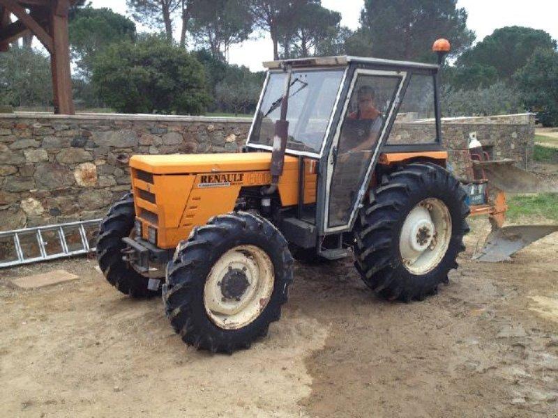 renault 601 4 traktor 13200 arles. Black Bedroom Furniture Sets. Home Design Ideas