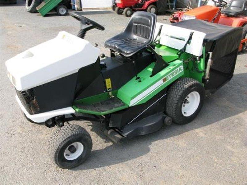 tracteur tondeuse etesia hydro 100 prix tracteur agricole. Black Bedroom Furniture Sets. Home Design Ideas