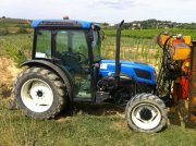 New Holland Tracteur fruitier T 4040 F New Holland Tracteur pour viticulture