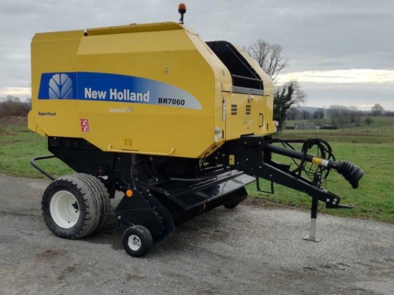 Prächtig New Holland 7060 Presse à balles rondes, 53640 Le Horps &CH_75