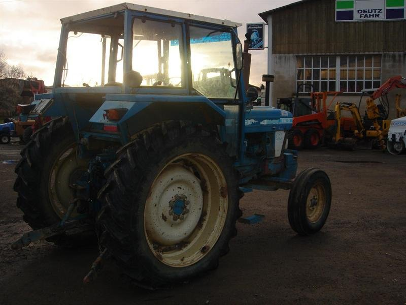 Ford 5610 traktor 32600 l 39 isle jourdain for Garage ford l isle jourdain