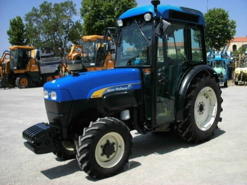 new holland tn75va tracteur pour viticulture