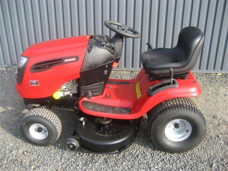 jonsered lt 2218 a tracteur tondeuse. Black Bedroom Furniture Sets. Home Design Ideas