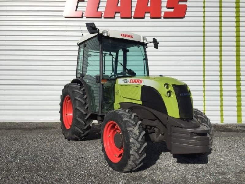 claas nectis 267 f tracteur pour viticulture  65800 orleix