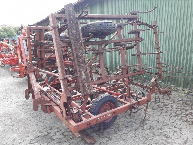 Sonstige kulti dan 4 5 mtr macchina combinata per preparazione del letto di semina erpice 9560 - Letto di semina ...