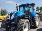 Traktor des Typs New Holland T7 185 en Roussillon