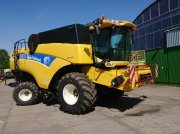 New Holland CX 880 Combine harvester