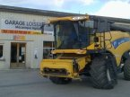 Mähdrescher des Typs New Holland CX8060 en BEAUMONT VILLAGE