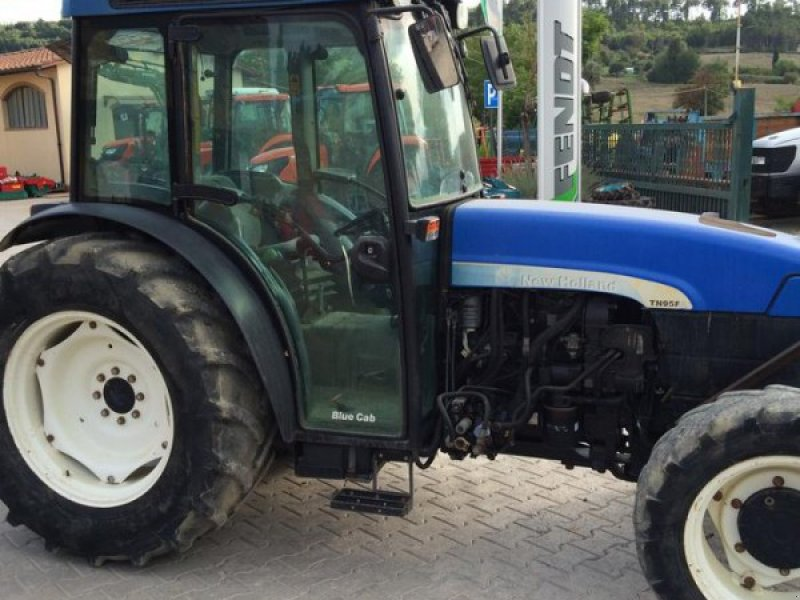 New Holland Orchard Tractors : New holland tn f orchard tractor poggibonsi