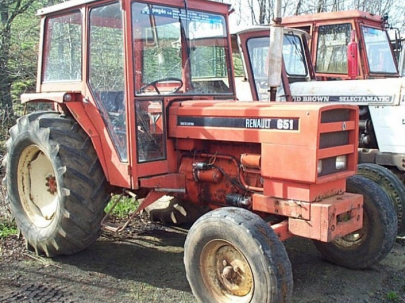 renault 651 tracteur  15000 aurillac