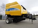 Rundballenpresse des Typs New Holland BR7070 in Churchstoke