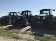 Oldtimer-Traktor des Typs New Holland T8.390, Neumaschine in Черкаси