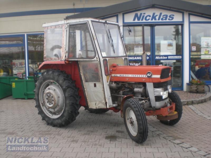 massey ferguson 152 traktor. Black Bedroom Furniture Sets. Home Design Ideas