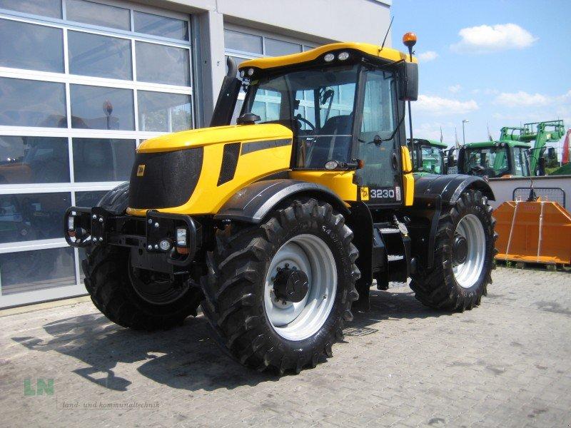 jcb fastrac 3230 traktor. Black Bedroom Furniture Sets. Home Design Ideas