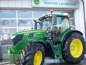 Traktor John Deere 6145 R