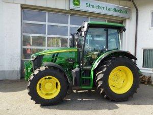 Traktor John Deere 5090 M