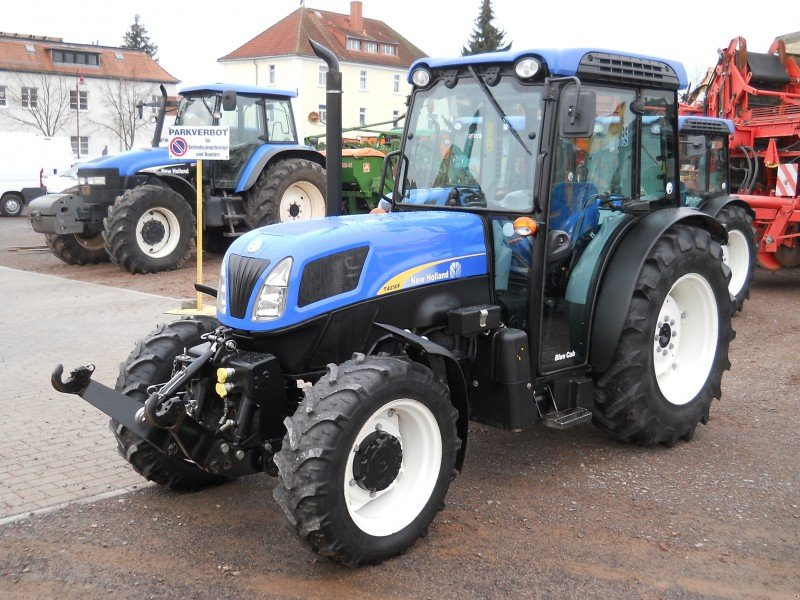 New Holland Orchard Tractors : Orchard tractor new holland t f newhollandboerse sold