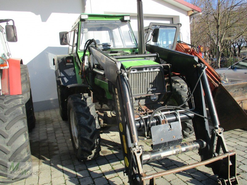 deutz dx 85 mit allrad und frontlader traktor. Black Bedroom Furniture Sets. Home Design Ideas