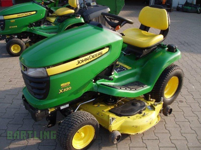john deere x320 tracteur tondeuse. Black Bedroom Furniture Sets. Home Design Ideas