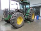 Traktor des Typs John Deere 8100 in Bad Wildungen