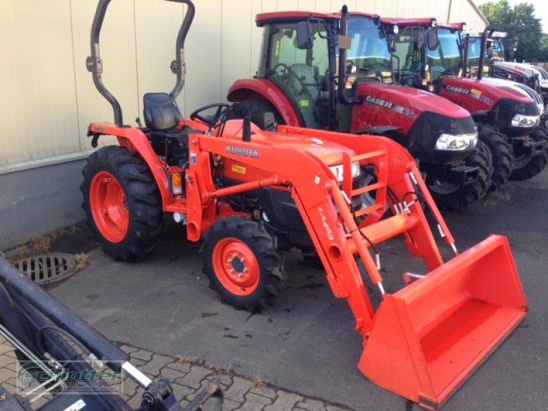 kubota l3200 mit frontlader traktor. Black Bedroom Furniture Sets. Home Design Ideas