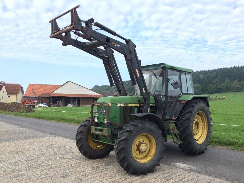 john deere 3140 mit frontlader traktor. Black Bedroom Furniture Sets. Home Design Ideas