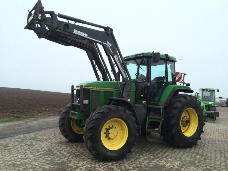 john deere 7600 mit frontlader traktor. Black Bedroom Furniture Sets. Home Design Ideas