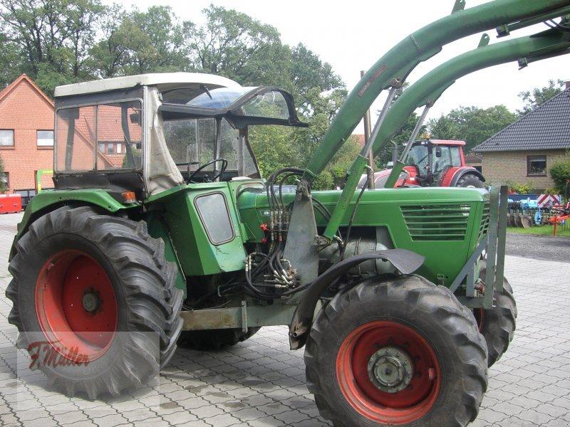 Deutz-Fahr D 8006 A Tractor - technikboerse.com