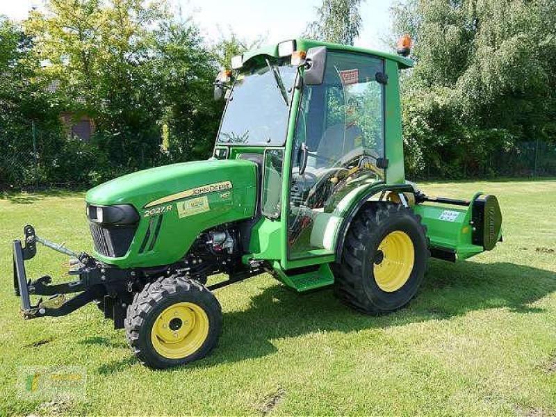 john deere 2027r kompakttraktor tracteur communal. Black Bedroom Furniture Sets. Home Design Ideas