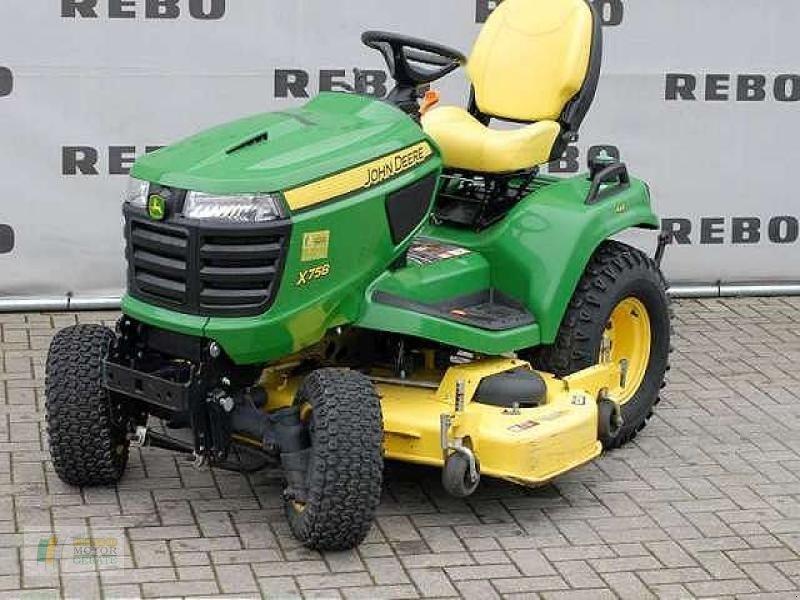john deere x758 kompakttraktor municipal tractor. Black Bedroom Furniture Sets. Home Design Ideas