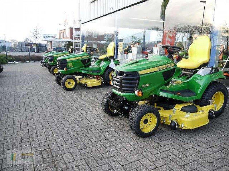 john deere x758 kompakttraktor municipal tractor 49661. Black Bedroom Furniture Sets. Home Design Ideas