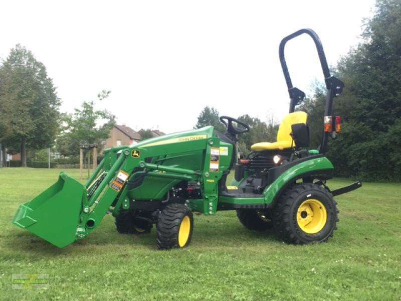 john deere 1026r mit frontlader kommunaltraktor. Black Bedroom Furniture Sets. Home Design Ideas