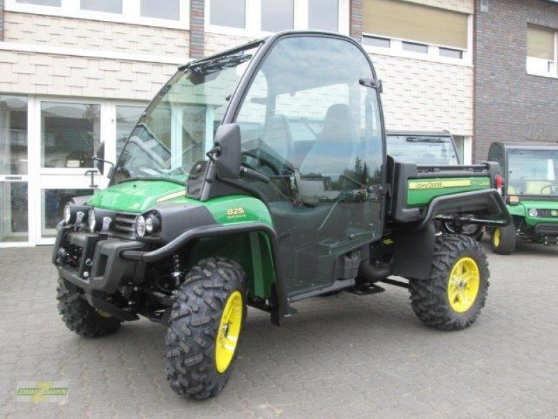 john deere xuv 825i mit kabine atv quad. Black Bedroom Furniture Sets. Home Design Ideas