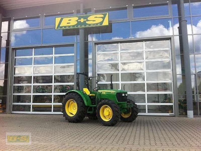 john deere 5075e allradtraktor traktor. Black Bedroom Furniture Sets. Home Design Ideas