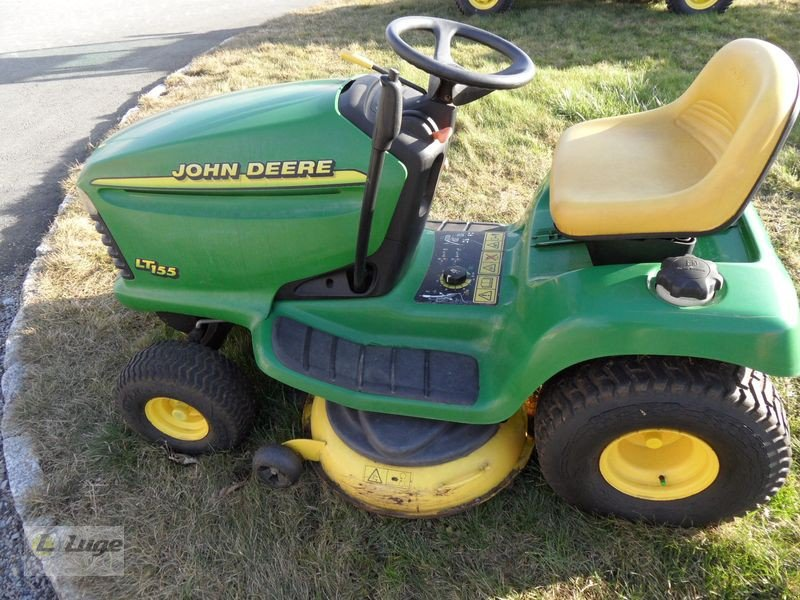 john deere lt155 tracteur tondeuse. Black Bedroom Furniture Sets. Home Design Ideas