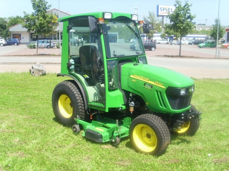 john deere 2027 r kommunaltraktor 65556 limburg. Black Bedroom Furniture Sets. Home Design Ideas