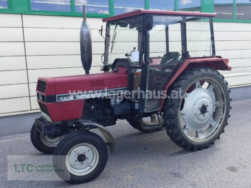 Case IH 733 Traktor