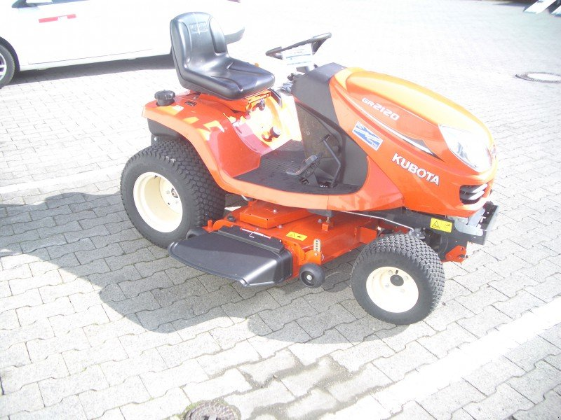 kubota gr 2120 riding mower 78194 immendingen. Black Bedroom Furniture Sets. Home Design Ideas